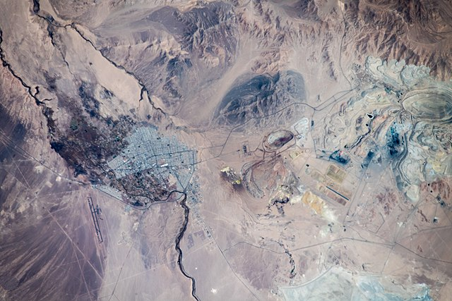 640px-chuquicamata_copper_mine_-_chuquicamata-kupfermine.jpg